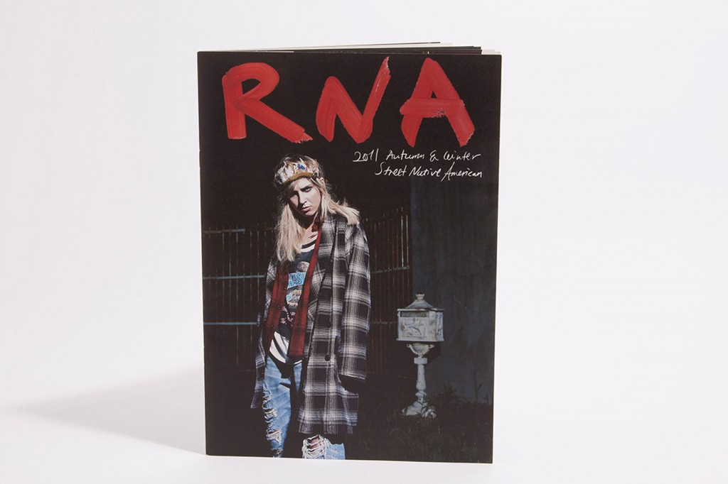 RNA2011AW
